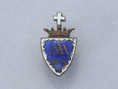 Piarista címeres kabátkitűző