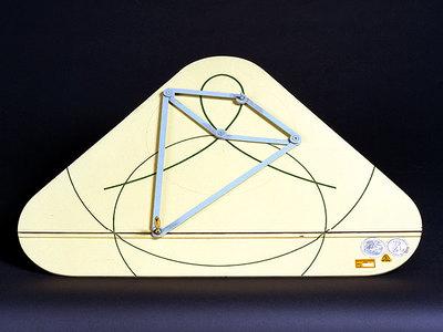 Inversor von Peaucellier: Abbildung einer Geraden auf eine Kurve 3. Ordnung