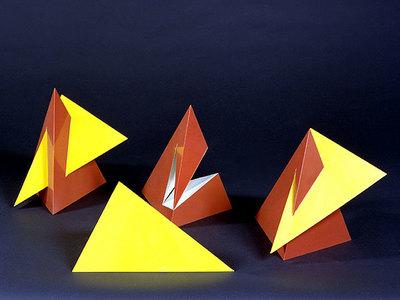 Durchdringungsphänomene von zwei dreiseitigen Pyramiden