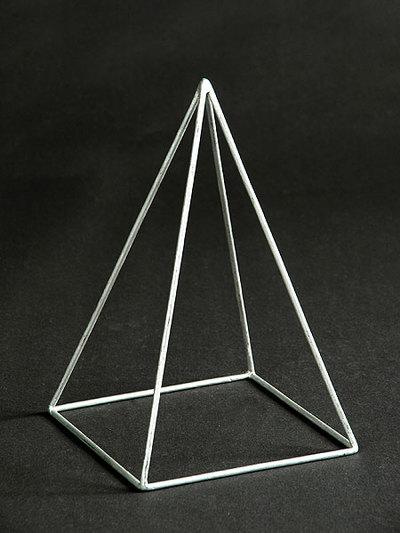 gerade quadratische Pyramide (Kantenmodell)