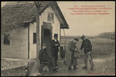 312 - Environs de Belfort MONTREUX-CHATEAU (Territoire). Frontière franco-alsacienne. Une Visite à la Douane française.