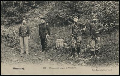 132 - Douaniers Français et Allemand