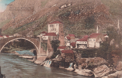 Mostar. Stari most sa Humom. Römerbrücke mit Hum.