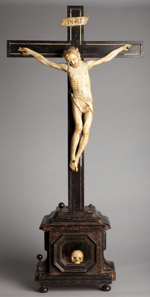 ref: PM_098549_E_Pastrana; Crucifijo de mesa
