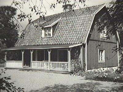 1700-talshus med veranda, Stora Mälby