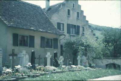 Oltingen, Friedhof & Pfarrhaus