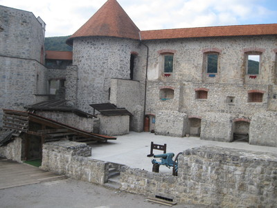 Zuzemberk Castle 2011