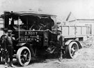 Foden 6-Tonner Queen Mary,, Frank Gibbs by the door, Tom Kingdom at the front.