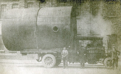 The first steam wagon in Widnes, it was owned by Richard Allen a contractor from 29 Halton View Road.