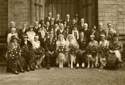 Wedding of sisters Enid and Vera Ingham to Charles Hargreaves and John Baxter.