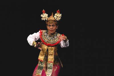Ista 2004: bailarines de Bali. Fot.007