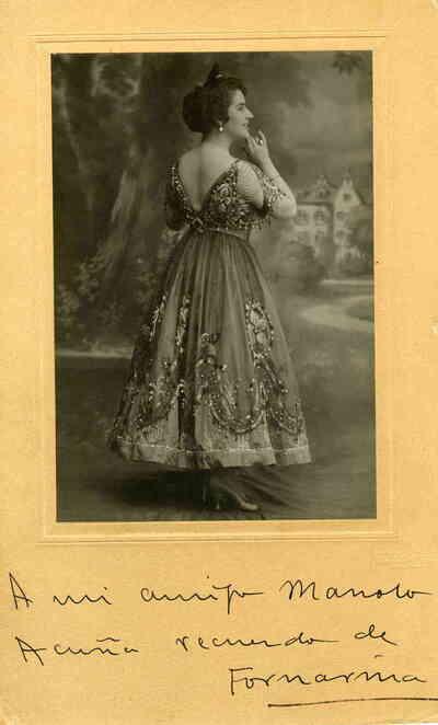 Consuelo Bello, la Fornarina. Retrato (de cuerpo entero)