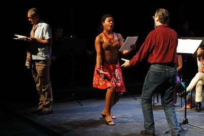 El gallo, Teatro-música para actores cantantes y ensamble instrumental