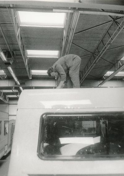 Montaža strešnih oken na prikolici