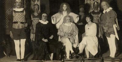Gledališka igra Prababica okrog 1930