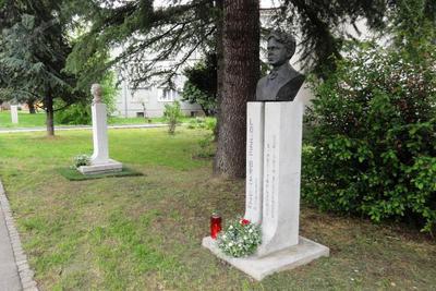 Spomenik Ljubki Šorli