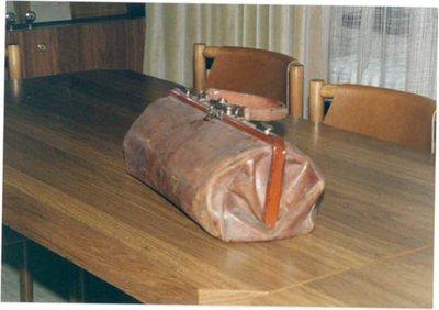 Zdravniška torba dr. Slavka Gruma