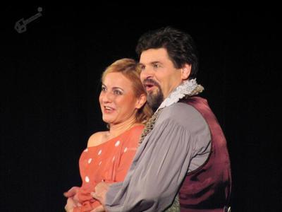 Glavna pevca in igralca v opereti Hmeljska princesa
