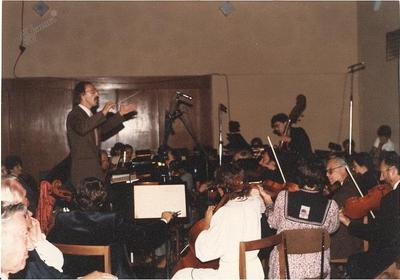 Operetni orkester z dirigentom Francijem Rizmalom