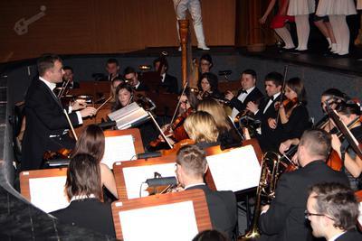 Opereta Grofica Marica, orkester in dirigent Simon Dvoršak