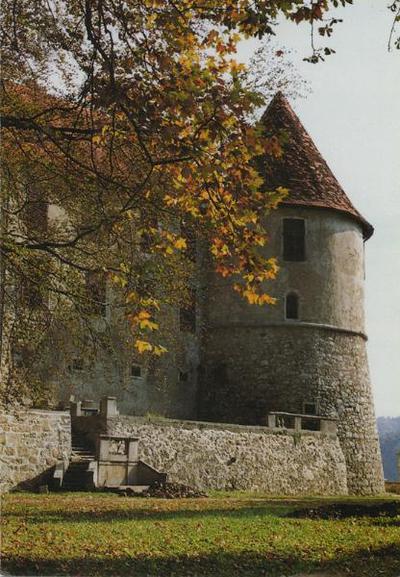 Grad Sevnica v jesenski preobleki