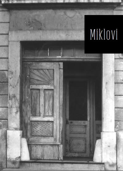 1. Glavna vrata v Miklovo hišo v Ribnici