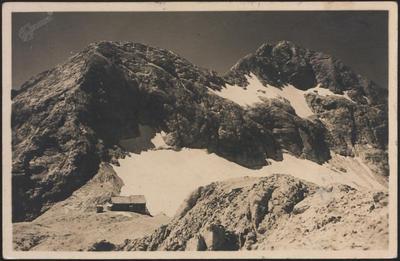Triglavski dom s Triglavom (2863 m)