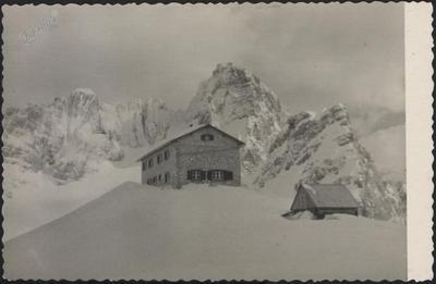 Pogačnikov dom na Križkih Podih (2057 m) – pozimi