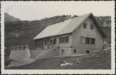 Koča na Kamniškem sedlu (1864 m)