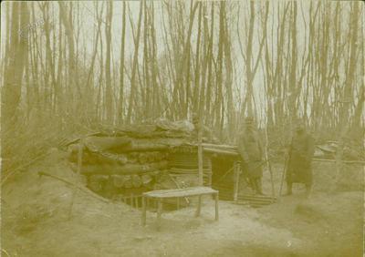 Ivan Slavec v gozdu