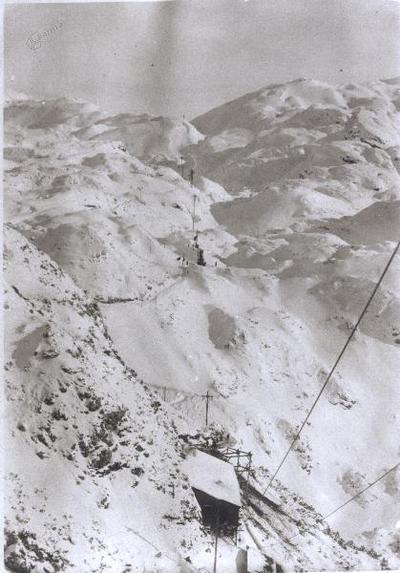 Pogled na traso vojaške žičnice