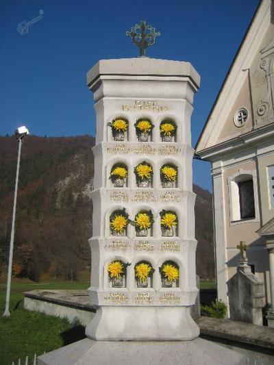 Spomenik na Bohinjski Beli