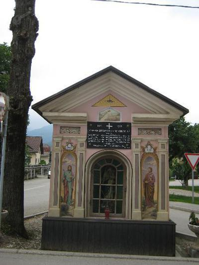 Spomenik v Lužah