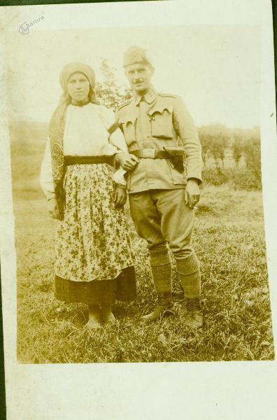 Vojak in Ukrajinka