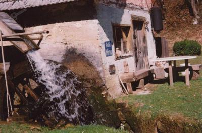 Mlin ob potoku Moravščica (pritok Mirne)