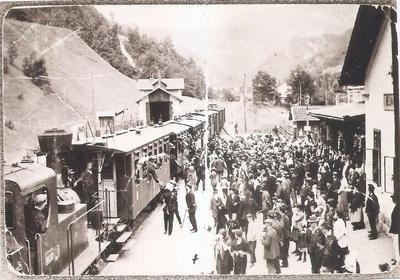 Odhod mobilizirancev z železniške postaje Tržič