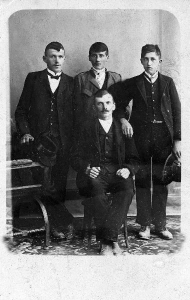 Miševov ata, Tinej Noč ter Vrenc in Janez Zavelcina