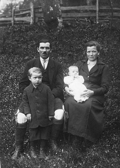 Kajžnikovi (ok. 1920)