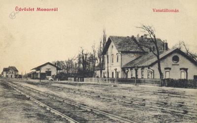 Železniška postaja v mestu Monor