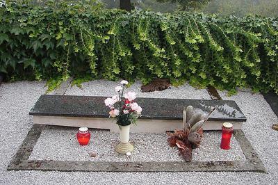 Pokopališče na Primskovem