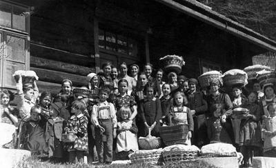 Velikonočni blagoslov v Javorniškem Rovtu (1937)