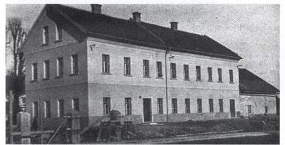 Obnovljena Ločnikarjeva domačija na Viču
