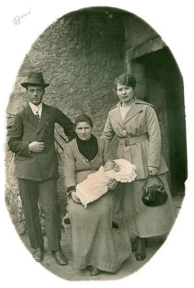 Marija Trebec, babica