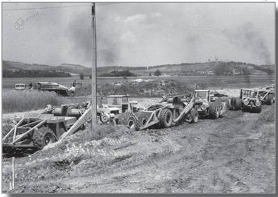 Gradbena mehanizacija na gradbišču dovodnega kanala