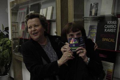Veronika Zlobec in Jolka Milič, Kosovelova knjižnica Sežana, 200