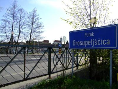 Most čez potok Grosupeljščica