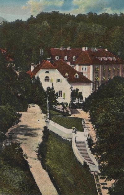 Razglednica: Rogaška Slatina. Zagrebški dom. Natisnjena leta 1932.