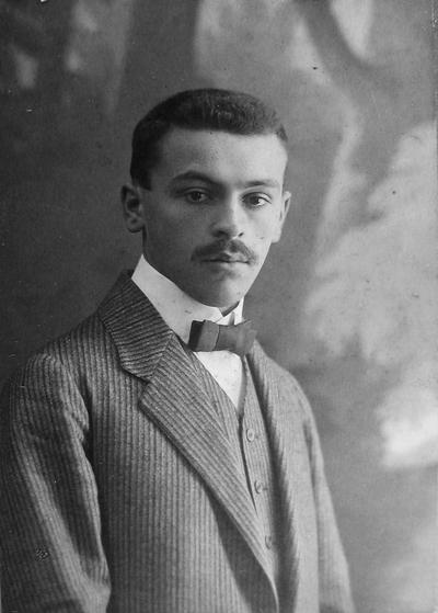 Mladi dr. Ivan Pregelj (1883-1960)