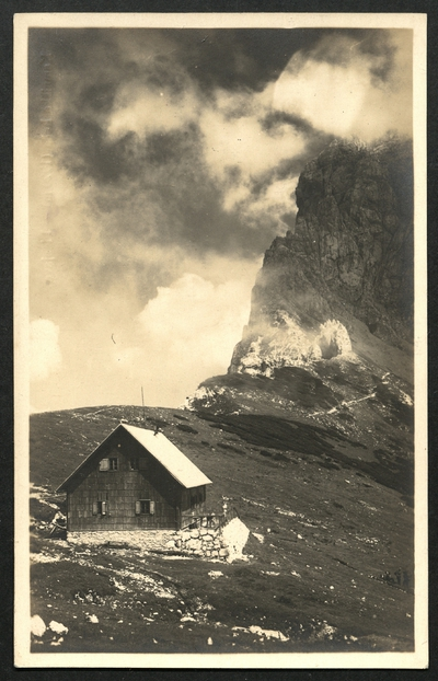 Kamniška koča in pobočje Planjave