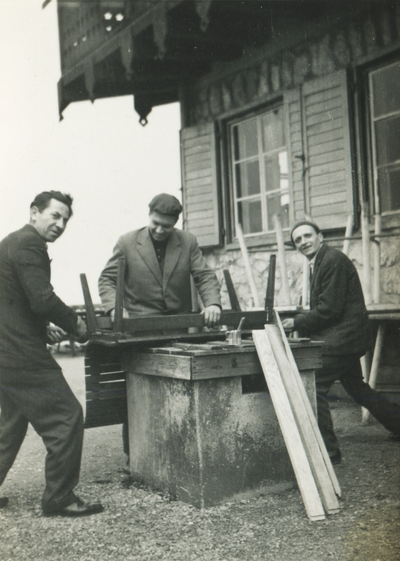 Mizarji ob popravilu opreme